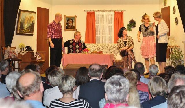 Platt-Deutsch-Theater-Heimatverein-Erle-2019-87-1